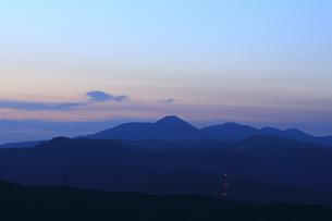 高ボッチから望む夜明けの写真素材 [FYI04958244]