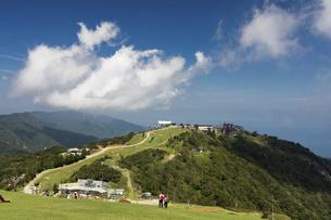 びわ湖バレイ(蓬莱山より打見山を望む)の写真素材 [FYI04960078]