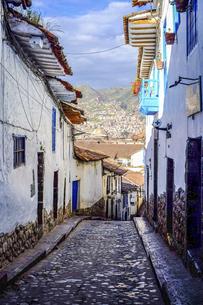 ペルーの世界遺産の街、クスコの路地の写真素材 [FYI04961239]